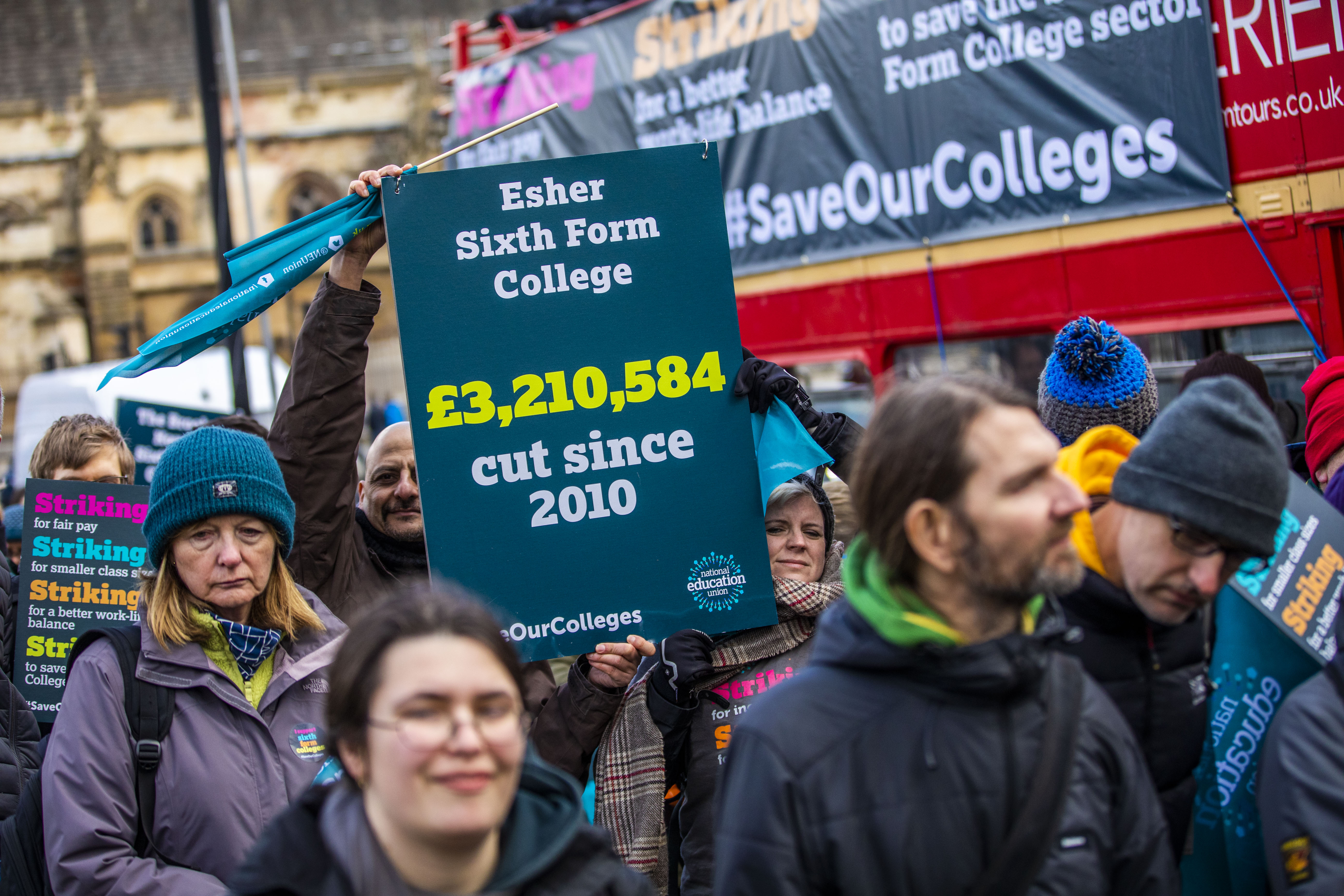 Strikers marching to the department for education