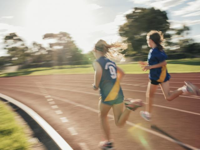 girls running a race